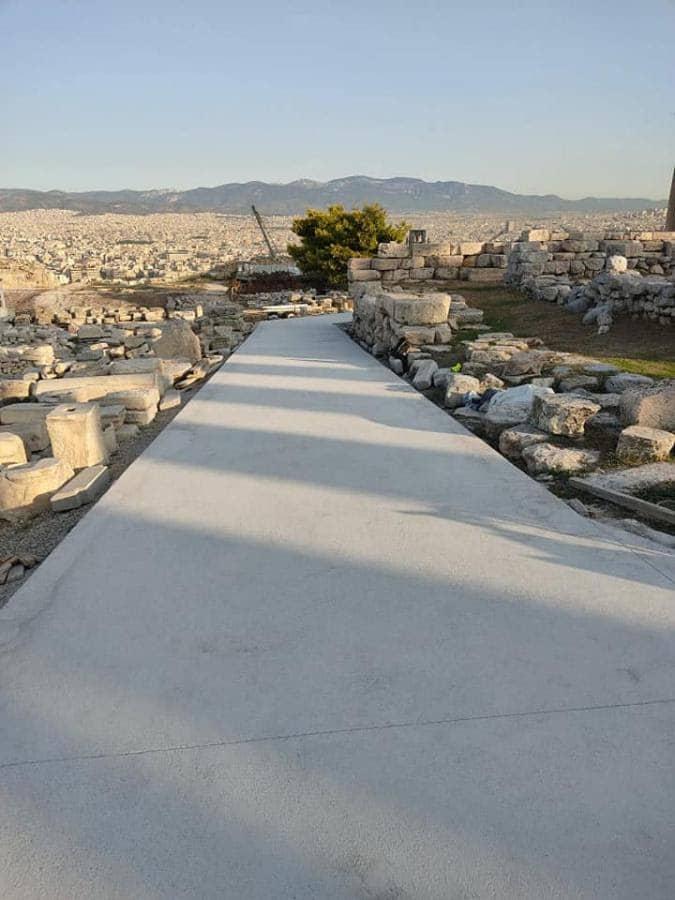 tsimento-stin-akropoli-prasino-kinima